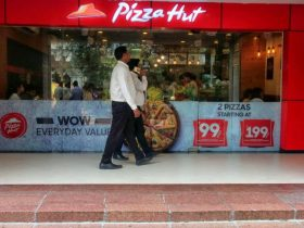 Pizza hut outlet at City Center Shopping Mall of Kolkata